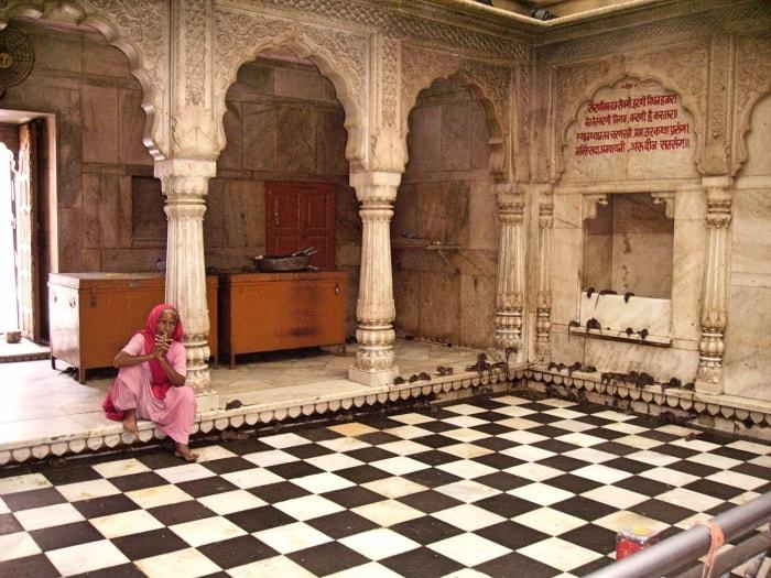 """alt=""""All'interno del Karni Mata Temple"""""""