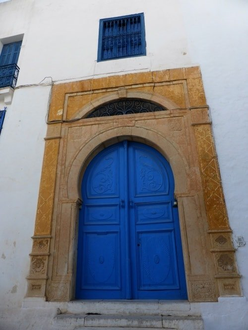 Sidi bou said una finestra che si affaccia sul mediterraneo - Finestra che non si chiude ...