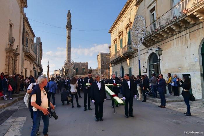 """alt=""""Il viaggio in Salento si apre con la Processione dei Misteri di Maglie, il Venerdì Santo"""""""