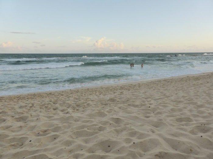 """alt=""""La spiaggia di Arembepe"""""""