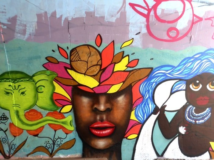"""alt=""""Street art a Salvador, il Solar do Unhão"""""""