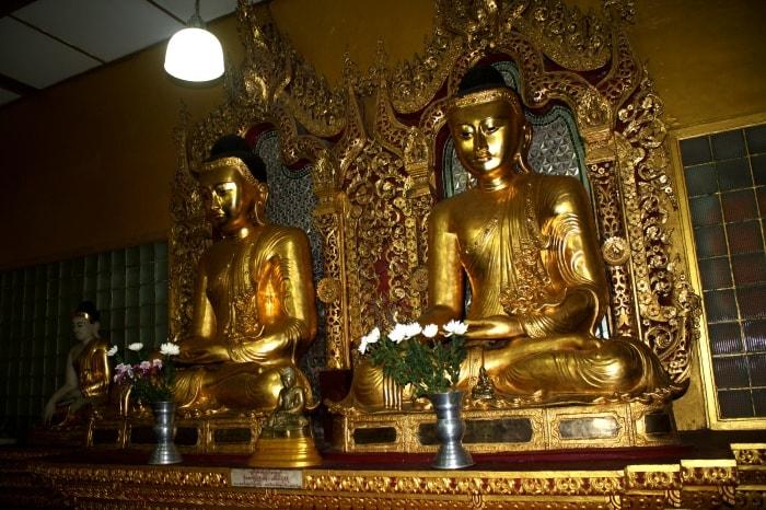"""alt=""""Buddha nella Shwedagon Pagoda"""""""