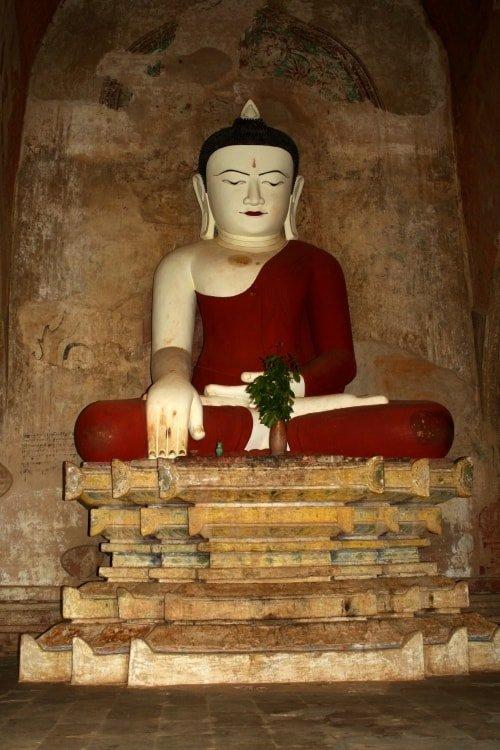 """alt=""""Buddha serafico a Bagan"""""""