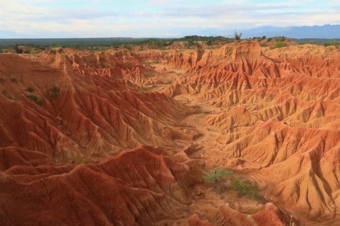 """alt=""""Panoramica del Cuzco dall'alto al deserto de la Tatacoa"""""""