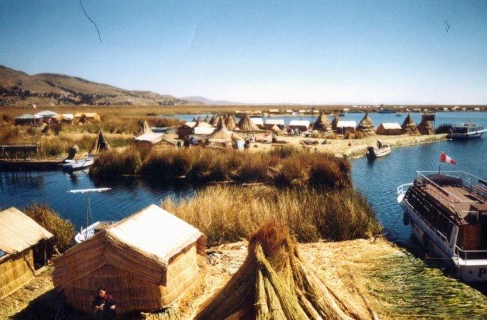 """alt=""""Islas Flotantes, lago Titicaca"""""""
