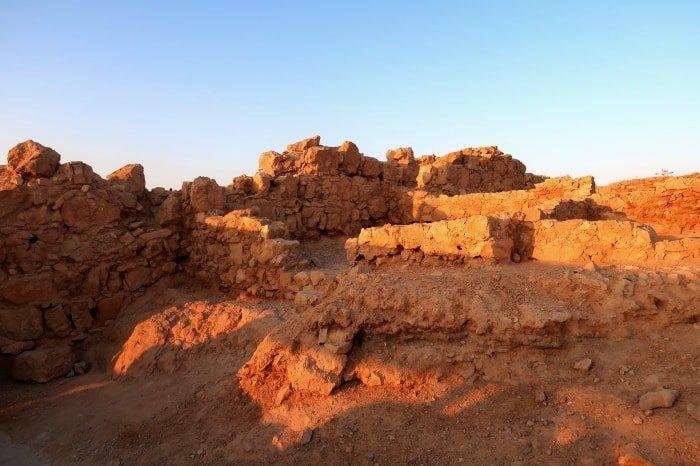 """alt=""""La storia di Masada si respira perdendosi tra le sue rovince"""""""