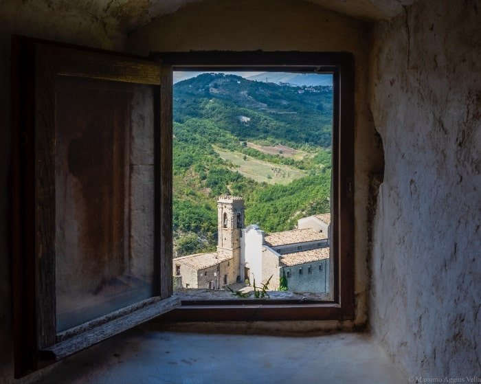 """alt=""""Scorcio di Roccascalegna - foto di Massimo Aggius Vella"""""""