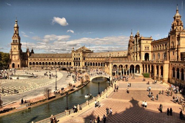 """alt=""""Viaggio di gruppo in Andalusia: Plaza de España"""""""
