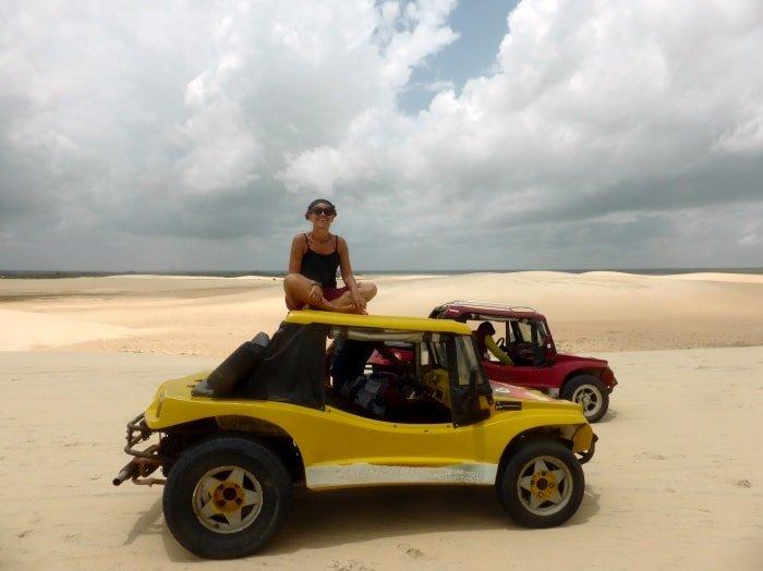 """alt=""""In buggy sulle dune, una delle ragioni per visitare Jericoacoara"""""""