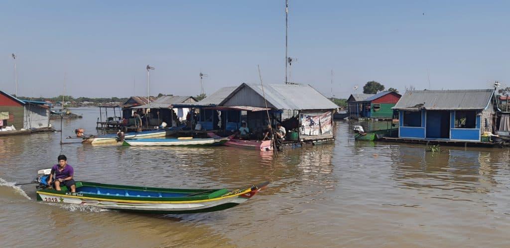 """alt=""""Da Siem Reap a Battambang, navigando sul Tonlé Sap"""""""