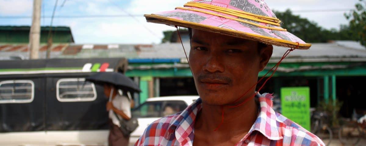 """alt=""""Due giorni a Yangon, persa tra i birmani"""""""