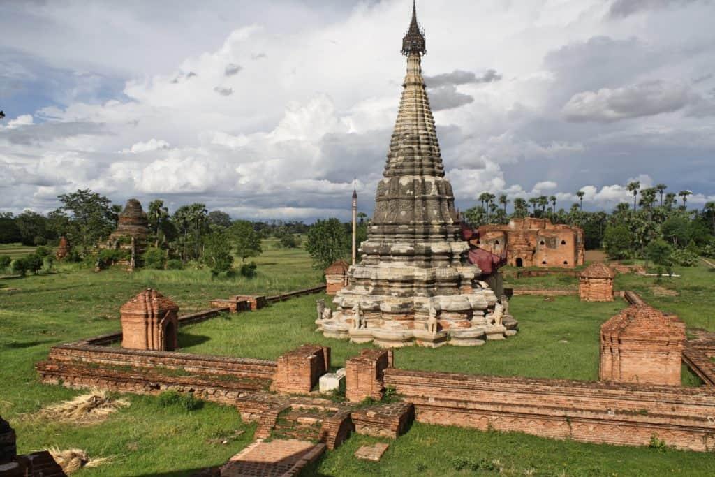 """alt=""""Scorazzando per i dintorni di Mandalay"""""""
