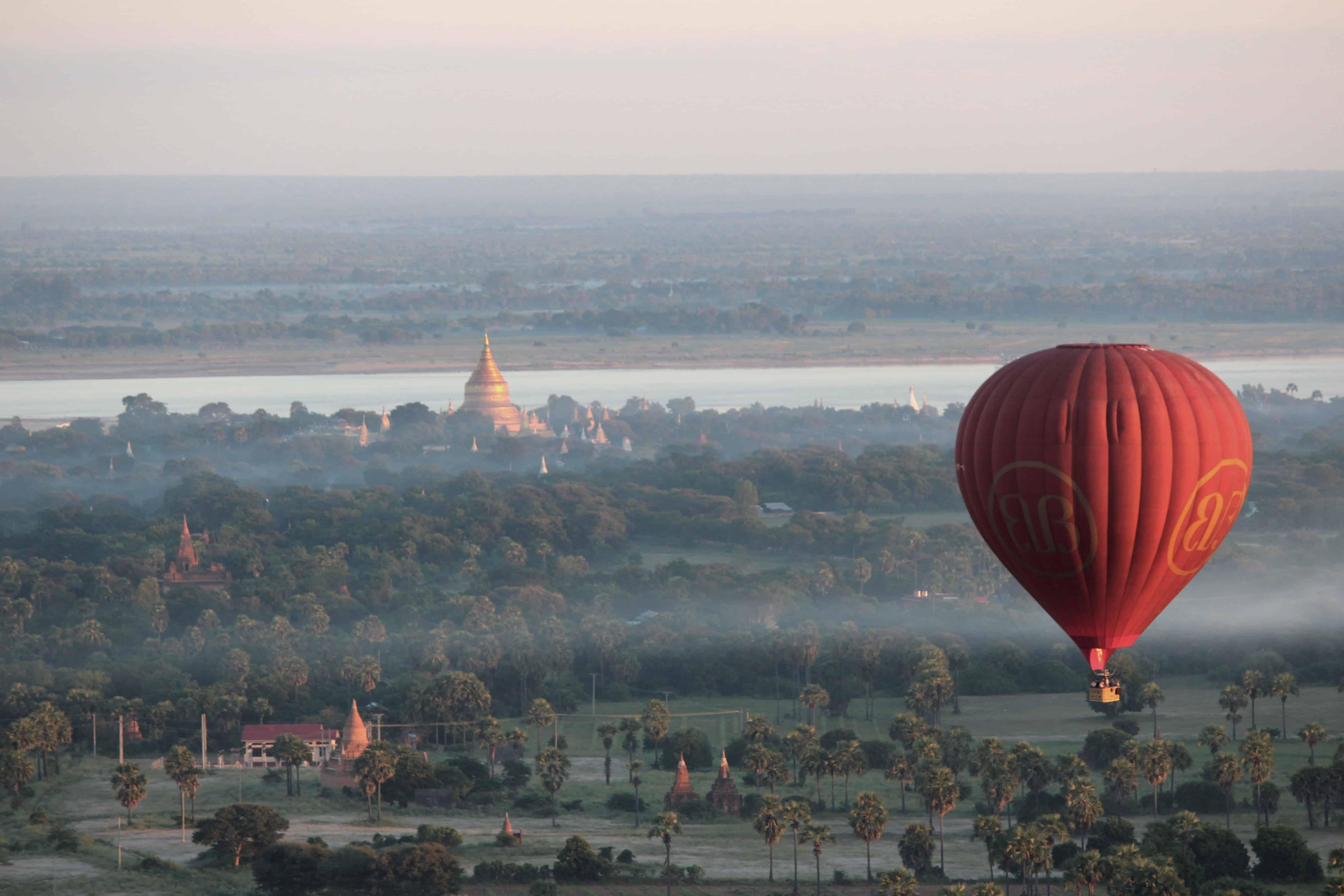"""alt=""""Volo in mongolfiera su Bagan (Pixabay)"""""""
