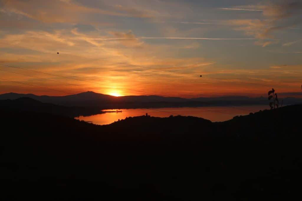 """alt=""""Il Cantico della Natura, una finestra sul lago Trasimeno"""""""